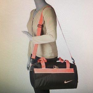 Nike Varsity Duffel gernanium/black/legion red